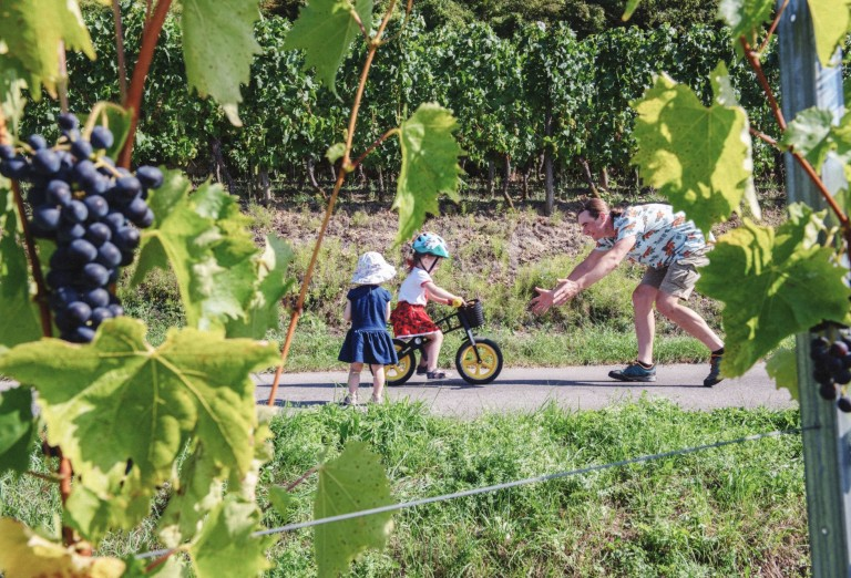 Biking family © Visit Moselle Luxembourg